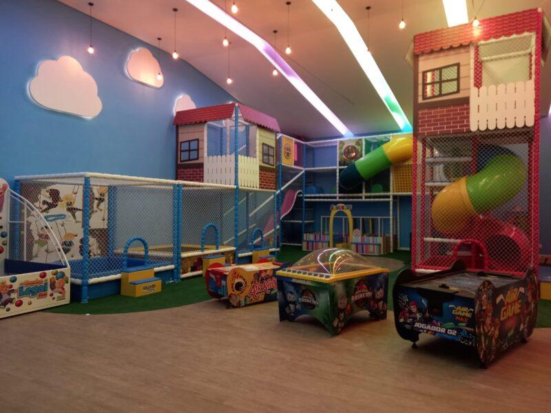 Área Kids Com Brinquedos Eletrônicos Nogueira Brinquedos Play Fernandes